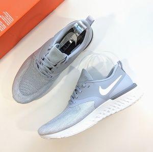 Nike Odyssey React 2 Flyknit Wolf Grey/White